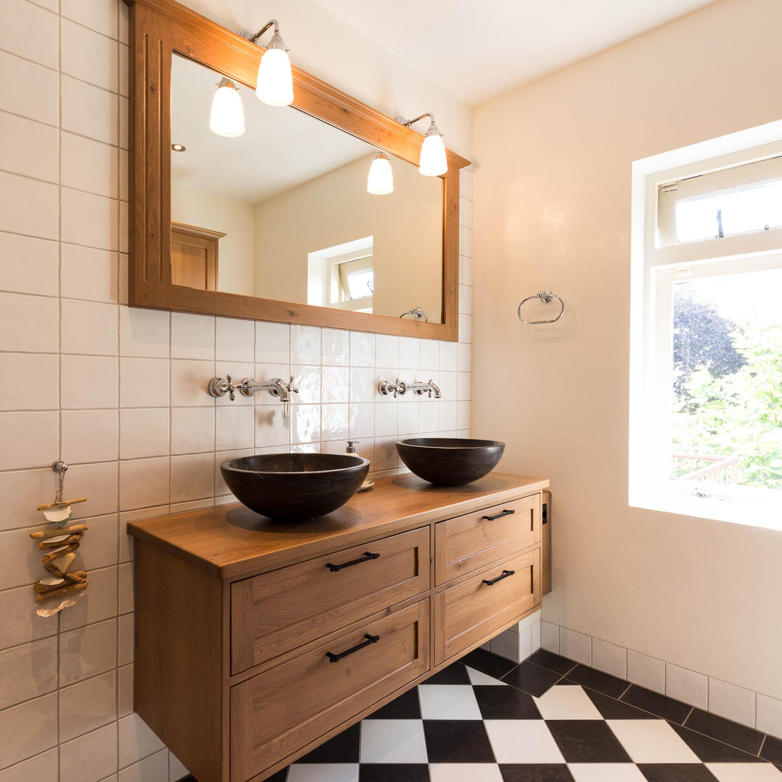 Landelijke badkamer en toilet - Chris van Andel